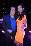 NEW YORK - AUGUSTI 08: Vinnare av den Montano för Top Model Latina Verà ³nica (orange klänning) överst modellen 2014 Latina 2014 Arkivbilder
