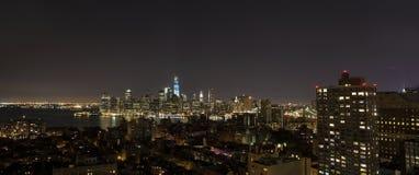 New York bis zum Nacht - neues WTC im Blau Lizenzfreie Stockbilder