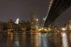 New York bis zum Nacht - Stadtmitte von Manhattan Stockbilder