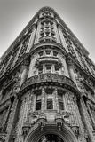 New York building - Facade and architectural details - Black & W. Magnificent architectural ornaments on a building's facade in the heart of Midtown Manhattan Royalty Free Stock Images