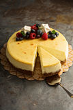 New York cheesecake on a cake stand Royalty Free Stock Photos