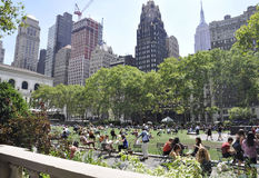 New York City august 3rd: Bryant Park från Manhattan i New York Fotografering för Bildbyråer