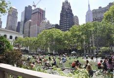 New York City august 3rd: Bryant Park från Manhattan i New York Fotografering för Bildbyråer