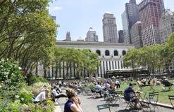 New York City august 3rd: Bryant Park från Manhattan i New York Arkivfoto