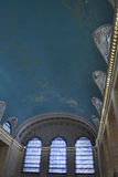 New York City august 3rd: Huvudsaklig Hall Ceiling för Grand Central station inre från Manhattan i New York Arkivfoton