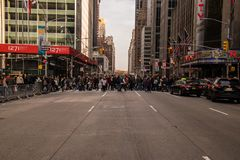 New York City avenue with holiday shoppers crossing royalty free stock images
