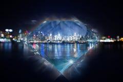 New York City beleuchtet Küstenlinie im Diamanten Stockfoto