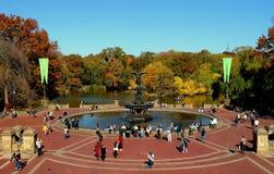 New York City: Bethesda Fountain und Terrasse stockfoto