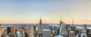 New York City cityscape i natten Royaltyfri Bild