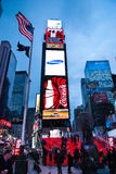 NEW YORK CITY - 25 de diciembre de 2010: Times Square con los anuncios del LED en Broadway en la noche, Manhattan el 25 de diciem Fotos de archivo libres de regalías