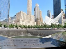 New York City - 21 de junho de 2017 - 9 11 memorial no World Trade Center, ponto zero Imagem de Stock Royalty Free