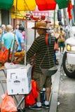NEW YORK CITY - 16 DE JUNIO: Chinatown con una población estimada Imagenes de archivo
