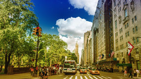NEW YORK CITY - 14 DE JUNIO DE 2013: Turistas en st 59 más de 50 m Foto de archivo libre de regalías