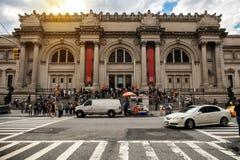 NEW YORK CITY - 14 DE MAYO: Museo de arte metropolitano en New York City el 14 de mayo de 2016 MET es una señal de NYC que y es e Fotografía de archivo
