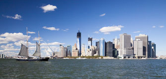 The New York City Downtown w the Sailboat Stock Images