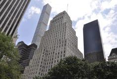 New York City, el 1 de julio: Rascacielos de Fifth Avenue en Manhattan de New York City en Estados Unidos Imagen de archivo libre de regalías