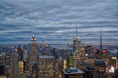 New York City em a noite Fotografia de Stock Royalty Free
