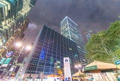 NEW YORK CITY - EM SETEMBRO DE 2015: Tráfego na cidade na noite Ne Imagens de Stock Royalty Free