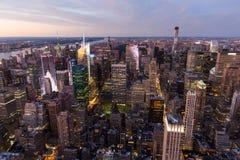 New York City en la noche Foto de archivo libre de regalías