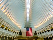 New York City, Estados Unidos da América - 1º de maio de 2016: O Oculus no cubo do transporte do World Trade Center Foto de Stock Royalty Free