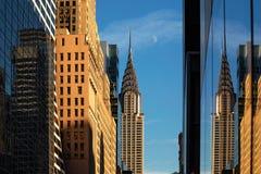 New York City/Etats-Unis - 27 novembre 2017 : Bâtiment de Chrysler avec la lune v photo stock
