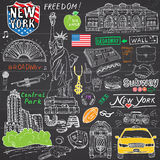 New York City garabatea elementos Sistema dibujado mano con, taxi, café, perrito caliente, estatua de la libertad, broadway, músi