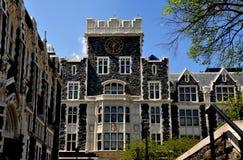 New York City: Harris Hall en la universidad de la ciudad Imagen de archivo libre de regalías