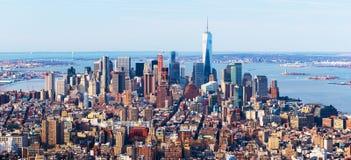 New York City horisont Flyg- panorama av centret som beskådas från midtownen, USA Royaltyfria Bilder