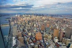 New York City horisont på middagar royaltyfria bilder