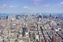 New York City horisontsikt som ser norr över Manhattan Arkivbilder