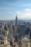 New York City Horizon du centre de Manhattan au coucher du soleil Photographie stock libre de droits