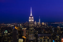 New York City Horizon du centre de Manhattan la nuit Photo stock