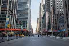 NEW YORK CITY - Januar 3: Busy tourist intersection of commerce royalty free stock photography