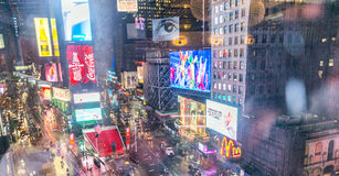 NEW YORK CITY - JUIN 2013 : Foules et trafic de Times Square au Ni Photographie stock libre de droits