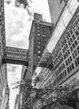 NEW YORK CITY - JUIN 2013 : Gratte-ciel du centre de Manhattan Y neuf Photo stock