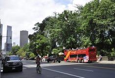 New York City, am 1. Juli: Straßenansicht in Midtown Manhattan von New York City in Vereinigten Staaten lizenzfreie stockfotografie