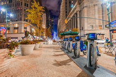 NEW YORK CITY - JUNE 8, 2013: New blue CitiBikes lined up in Man Royalty Free Stock Images