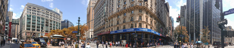 NEW YORK CITY - JUNE 14, 2013: Tourists and locals in Greeley Sq Stock Image
