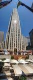NEW YORK CITY - JUNI 2013: Rockefeller mitt på en härlig dag Arkivbild