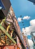 NEW YORK CITY - JUNI 2013: Zeiten Squareon ein sonnigen Tag Die Stadt lizenzfreie stockbilder