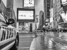 NEW YORK CITY - JUNIO DE 2013: Coche de NYPD en Times Square La ciudad en Foto de archivo