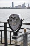 New York City, le 2 août : Binnocular de statue d'île de liberté à New York City photos stock