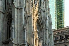 New York City/los E.E.U.U. - 19 de julio de 2018: Catedral del ` s de St Patrick y b fotos de archivo libres de regalías