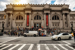 NEW YORK CITY - MAJ 14: Storstads- konstmuseum i New York City på Maj 14, 2016 MET är en NYC-gränsmärke som och är laen Arkivbild