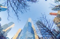 New York City Manhattan compite con los rascacielos Imagenes de archivo