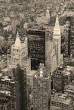 New York City Manhattan in die Stadt Schwarzweiss Lizenzfreie Stockbilder