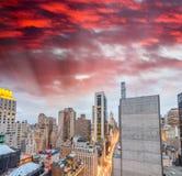 New York City - Manhattan skyscrapers, skyward view Royalty Free Stock Photography