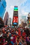 NEW YORK CITY - MARS 25: Tider kvadrerar, presenterat med Broadway Th arkivfoton