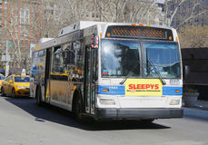 New York City MTA-buss i Manhattan Royaltyfria Foton