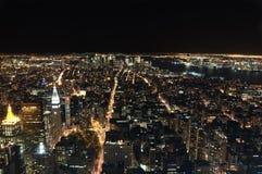 New York City nachts stockfotografie